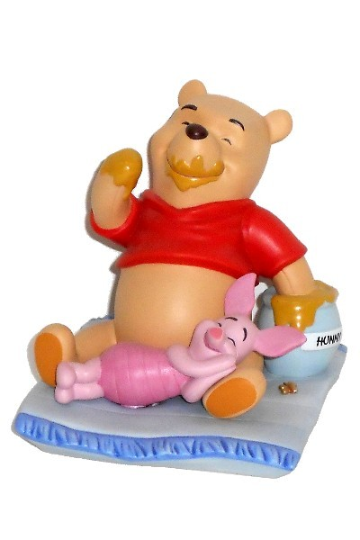 POOH & FRIENDS FIGURINE - A3821
