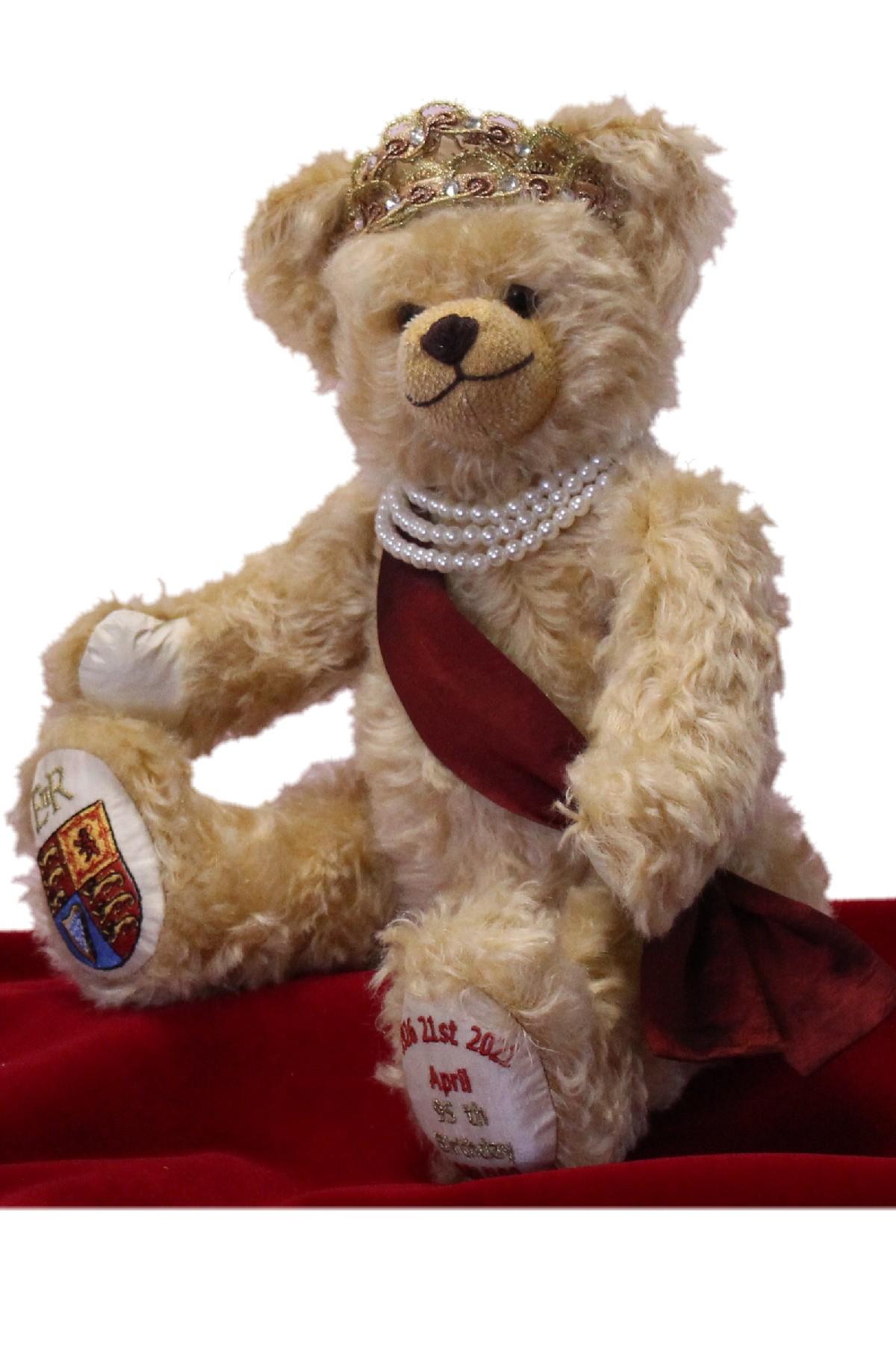 ROYALTY <br>QUEEN ELIZABETH II 95TH BIRTHDAY